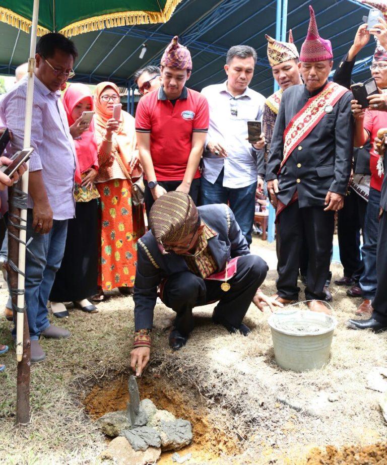 Bupati Pesisir Barat hadiri Peletakan Batu Pertama Pembangunan Kembali Lamban Gedung Karya Kartadila