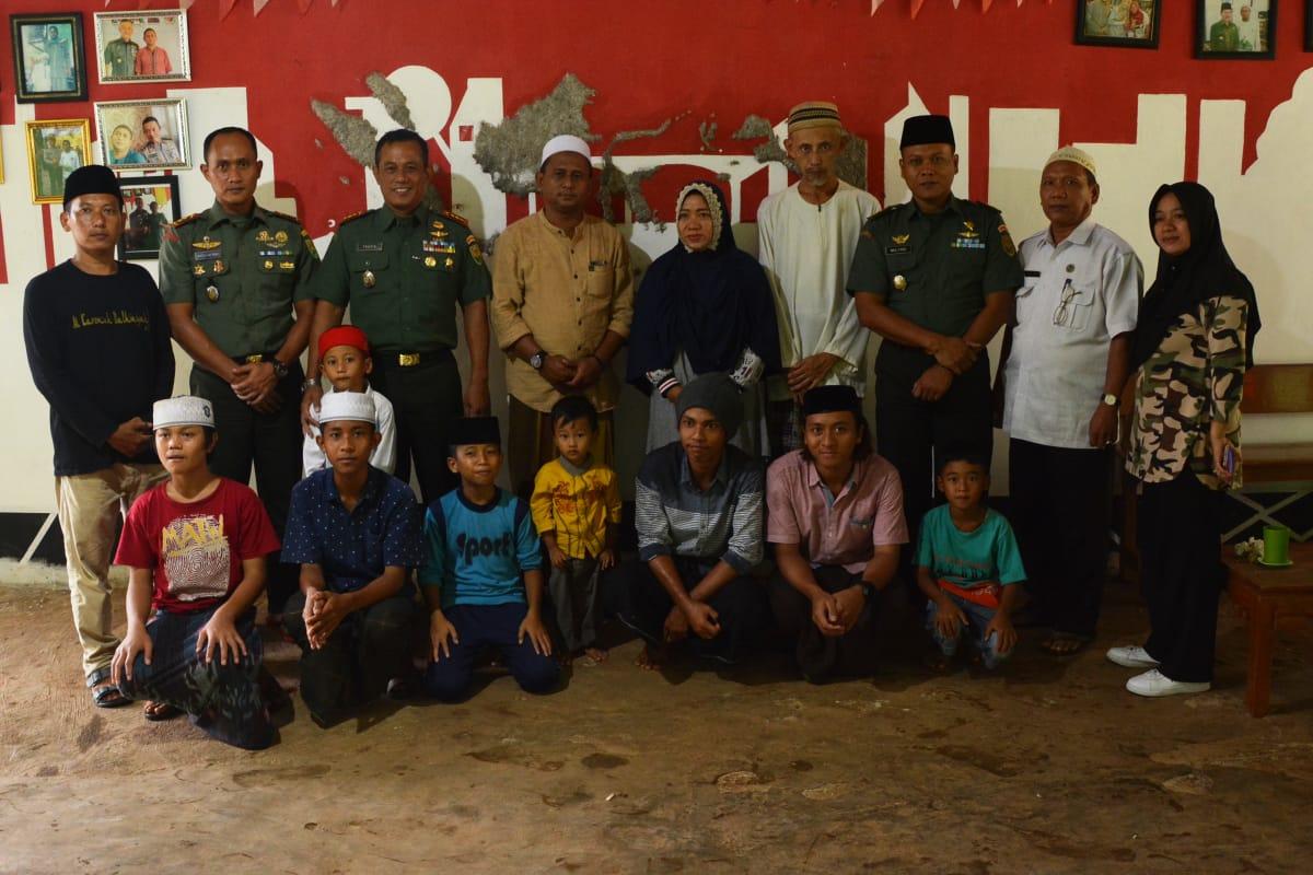Danrem 043 Gatam Silaturahmi Ke Pondok Pesantren Majelis Dzikir Sholawat Al Karomah Batiniyyah Karya Nasional