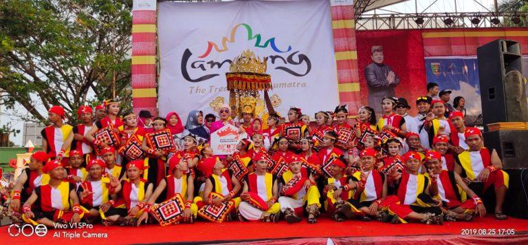 Festival Krakatau 2019, Disparbudpora Tanggamus Ikuti Parade Pawai Budaya Lampung