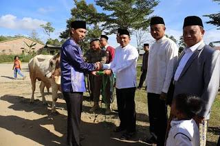Bupati dan Wakil Bupati Lampung Barat Sholat Ied di Masjid Bintang Mas