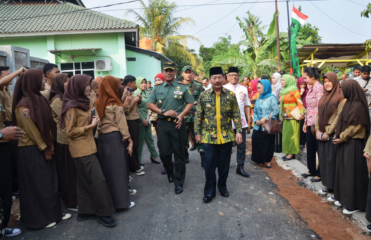 Dandrem 043 Gatam Hadiri Penutupan Karya Bhakti TMMD Imbangan Ta. 2019 Kodim 0410/KBL