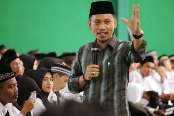Telaah Kritis Sistem Politik Indonesia