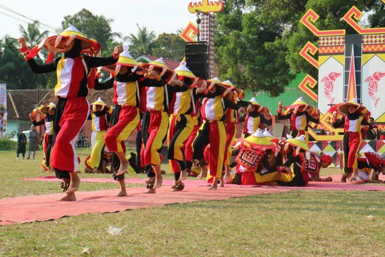 Legenda Ratu Ali Meriahkan Puncak Festival Teluk Semaka