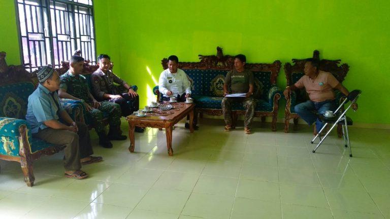 Babinsa Wirajaya Jalin Talisilahturahmi Dengan Aparatur Desa