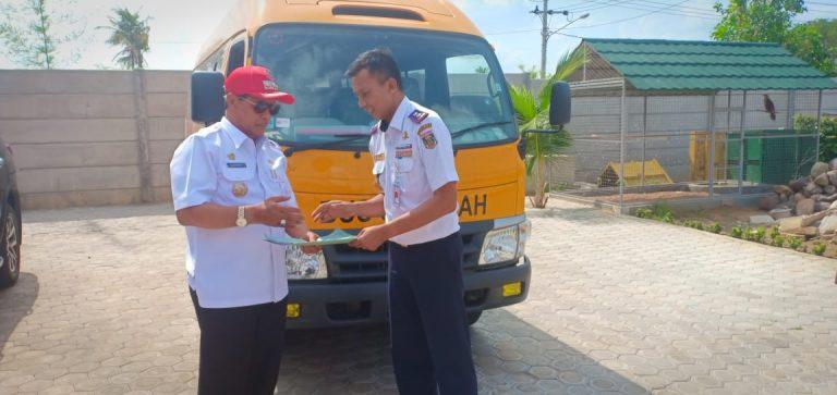 Kementerian Perhubungan Berikan Bantuan Bus Sekolah Ke Pemkab Lamteng
